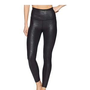 Beyond yoga viper high waist midi legging